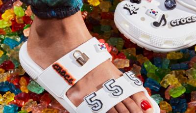 Bergaya Milenial, Intip Koleksi Sandal Crocs yang Playfull