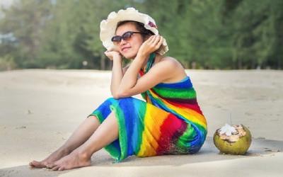 Nggak Pakai Ribet, 4 Pakaian Ini Cocok untuk ke Pantai
