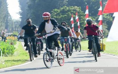 Keren Nih, Sepeda Presiden Jokowi Bergambar Bung Karno