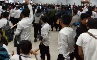 Ratusan Pekerja Transjakarta Demo Minta Diangkat karyawan