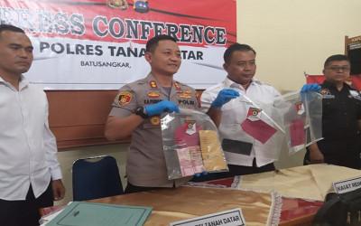 Polisi OTT Kadis Koperindag Kabupaten Tanah Datar