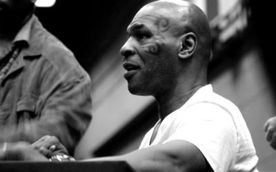 Terpuruk 16 Tahun, Petinju Mike Tyson Kini Berjaya Berkat Ganja