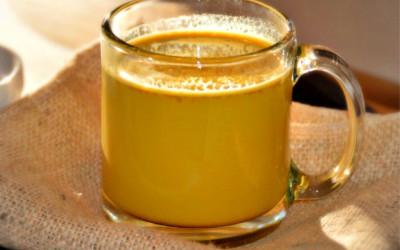Campurkan Susu dengan Kunyit dan Rasakan Keajaibannya!