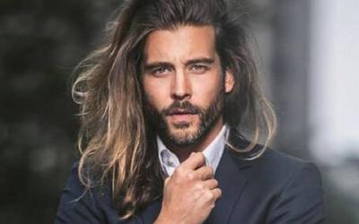 5 Cara Bikin Rambut Gondrong Lebih Halus