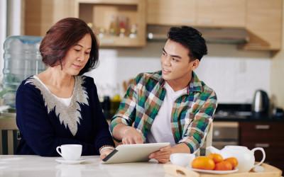 Karakter Pria Terlihat dari Cara Dia Memperlakukan Ibunya