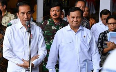 Prabowo Subianto Tampak Sedih di Samping Jokowi