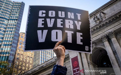 Ngakak! Pemilu AS Belum Kelar, Trump Sudah Klaim Menang