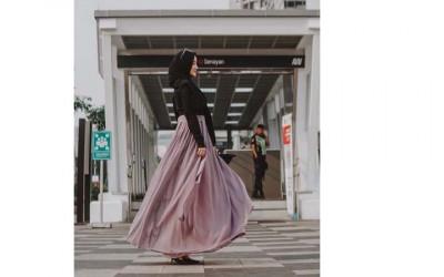 Putri Ustaz Yusuf Mansur Foto di Jalan & Jembatan, Hasilnya Top!