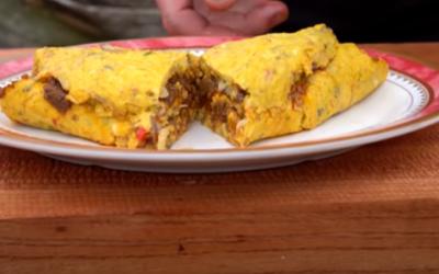 Heboh Gordon Ramsay Bikin Omelet Rendang, Ini Lo Resepnya!