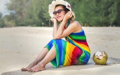 Ladies, Tampil Kece Saat ke Pantai, Kenakan 4 Pakaian Nyaman ini