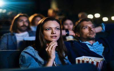Duh! Nonton Bioskop Enggak Boleh Sambil Makan Popcorn, Mengapa?