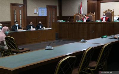 Jaksa Pinangki Pakai Gamis dan Kerudung saat Sidang Tipikor