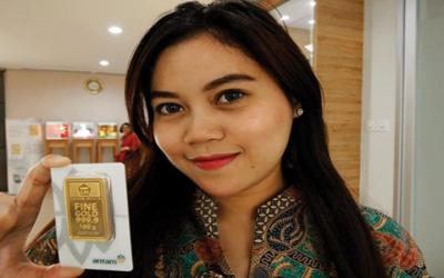 Logam Mulia Dunia Turun Tipis, Harga Emas Antam Tak Sudi Bergeser