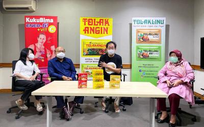 Sido Muncul Beri Bantuan Korban Banjir NTT Senilai Rp 650 Juta