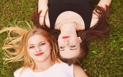 Teman Lagi Bersedih? Coba Hibur dengan 4 Cara Jitu