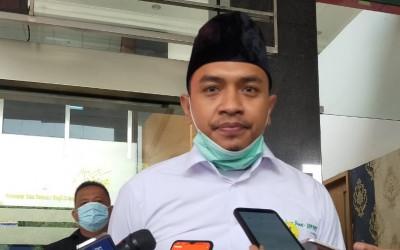 Pemerintah Larang ASN Dukung FPI, Aziz Yanuar pun Bersuara
