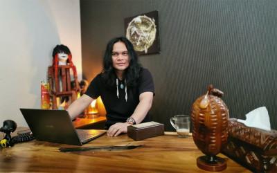 Mbah Mijan Terawang Prabowo, Sandi, dan Anies di 2021, OMG!