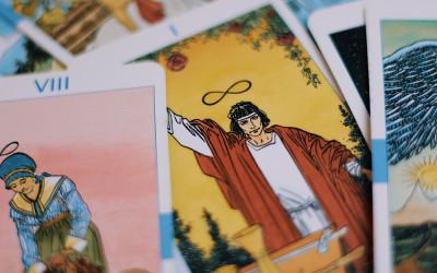 Ramalan Kartu Tarot Januari 2021 untuk Aries, Taurus, Gemini
