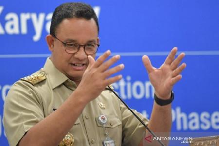 Andi Arief Sanjung Anies, Tapi Sindir Jokowi