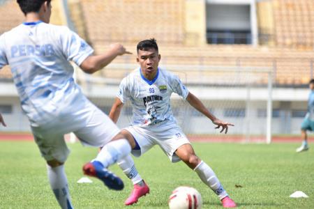 Bobotoh Bernapas Lega, Bintang Persib Lakukan Hal Tak Terduga