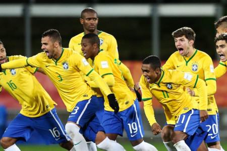 Pemain Timnas Brasil Ini Tergila-gila dengan Sepak Bola Indonesia