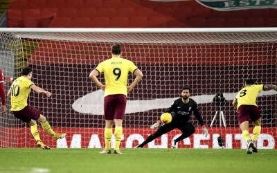 Klasemen Liga Inggris Hari Ini: Liverpool Terpuruk, Burnley Lolos