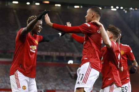 Link Live Streaming Man United vs Fulham: Dihadiri Penonton