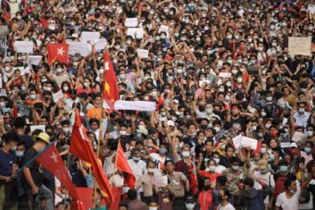 Merinding, Warga Myanmar Bergelimpangan Ditembak Junta Militer