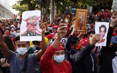 Kondisi Bak Neraka di Yangon, Medsos Militer Myanmar Mati Total