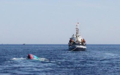Kapal Amerika Ambrol, 18 Orang Hilang, Hati Biden Bergetar