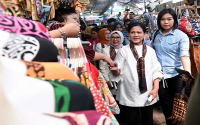 Rocky Gerung Buka Suara Soal Pilpres 2024, Seret Iriana Jokowi