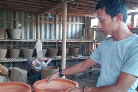 Ulet Bisnis Pot Keramik , Asep Kini Raih Omzet Puluhan Juta/Bulan