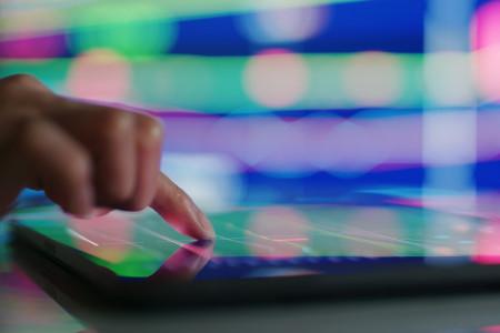 Bursa 18 Mei 2021: Saham BMRI dan TLKM Direkomendasi