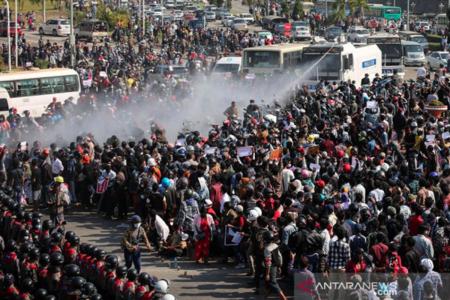 Bentrokan Militer vs Sipil, Junta Myanmar Umumkan Darurat Militer