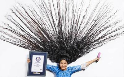 Melongo! Nilanshi Pemecah Rekor Rambut Terpanjang di Dunia