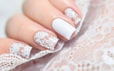 4 Pilihan Kutek Cantik Untuk Acara Pernikahan