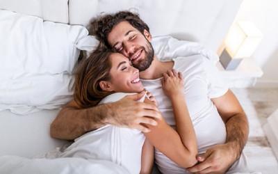 Ketahui 3 Hal yang Suami Inginkan Saat di Ranjang