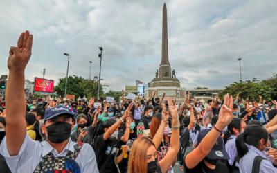 Jangan ke Thailand Dulu, Demonstrasinya Seram