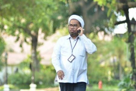 Ali Ngabalin Makin Jemawa, 2 Ketua Muhammadiyah Disuruh Mundur