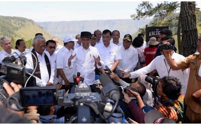 JokowiTak Ingin Buru-buru Menentukan Lokasi Ibu Kota Baru