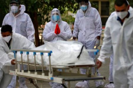India Makin Parah, WHO Prediksi Ada Varian Covid-19 Kebal Vaksin