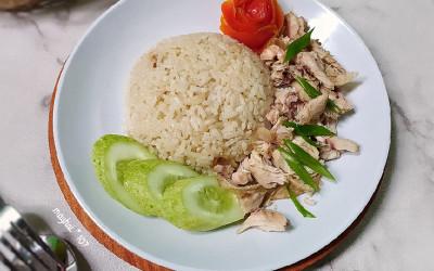 Mau Bikin Nasi Ayam Hainan buat Sajian Imlek, Nih Resepnya!