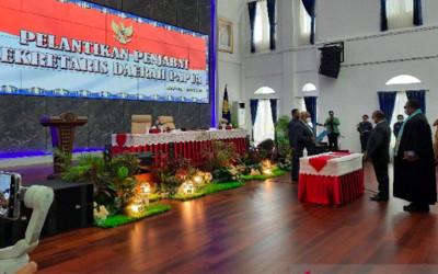 Heboh 2 Orang Dilantik Jadi Sekda Papua, Mana yang Sah?