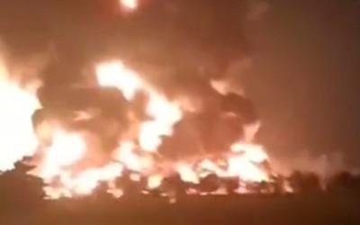 Kebakaran Kilang Minyak Pertamina Indramayu, Warga Mengungsi