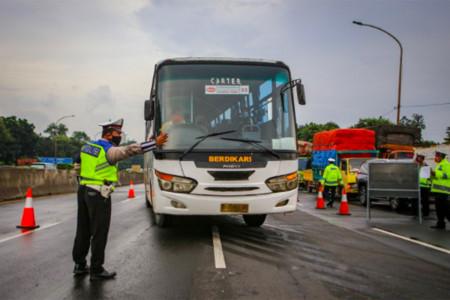 Siap 24 Jam, Polda Metro Jaya Pantau Pemudik di Titik Penyekatan!