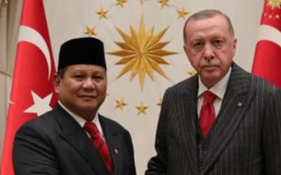 Formil Seperti Erdogan, Menhan Prabowo Merah Putih Banget