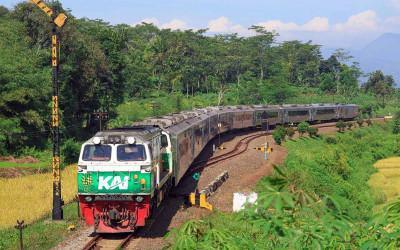 Larangan Mudik, Tiga Kereta Jarak Jauh Tetap Beroperasi