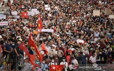 Kudeta Myanmar Kian Brutal, Biksu Diculik Saat Gelap