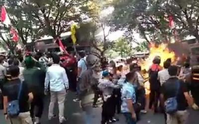 Demo Mahasiswa Ricuh di Cianjur, 15 Mahasiswa Diamankan
