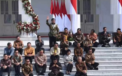 Relawan Jokowi Minta Ganti Menteri, Respons Gerindra Bikin Kaget!